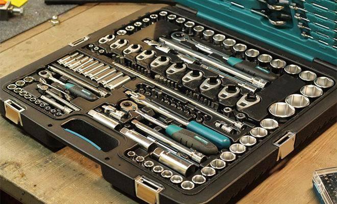 Лучшие наборы инструментов для автомобиля
