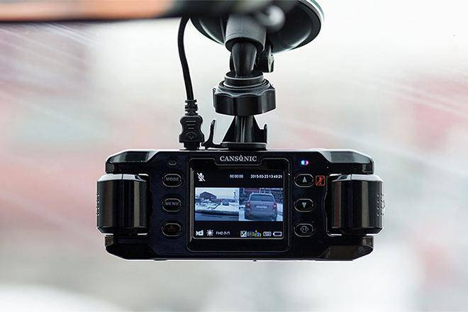 luchshie-videoregistratory-s-dvumja-kamerami