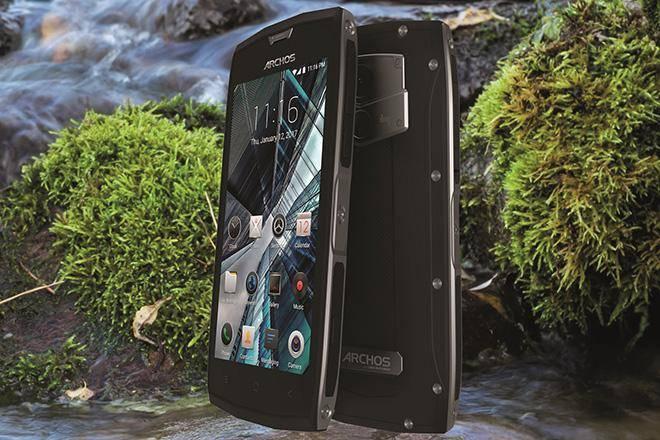 Лучшие-противоударные-телефоны