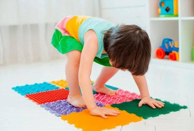 Лучшие ортопедические коврики для детей