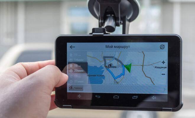 лучшие видеорегистраторы с GPS-навигатором