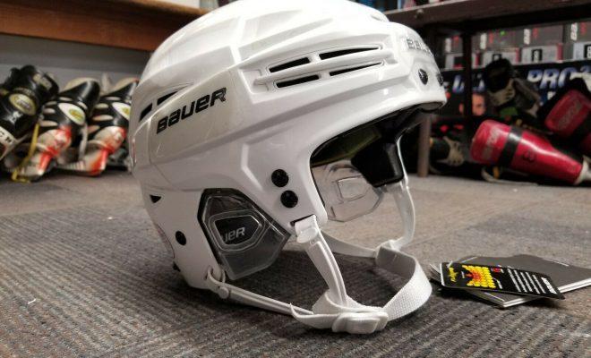 Лучшие хоккейные шлемы